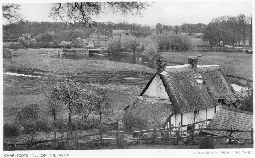 Hampton Lucy.  Charlecote Mill and River Avon with Avon Cottage in the foreground.  1930s |  IMAGE LOCATION: (Warwickshire County Record Office)