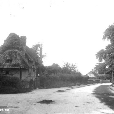Leek Wootton.  Cottages