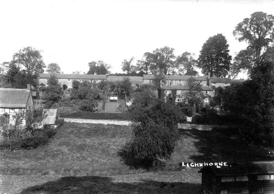 A view of houses and cottages in Lighthorne.  1930s |  IMAGE LOCATION: (Warwickshire County Record Office)
