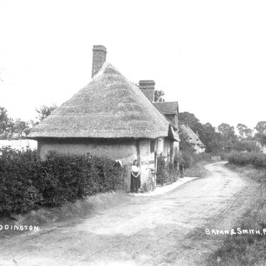 Luddington.  Thatched cottages