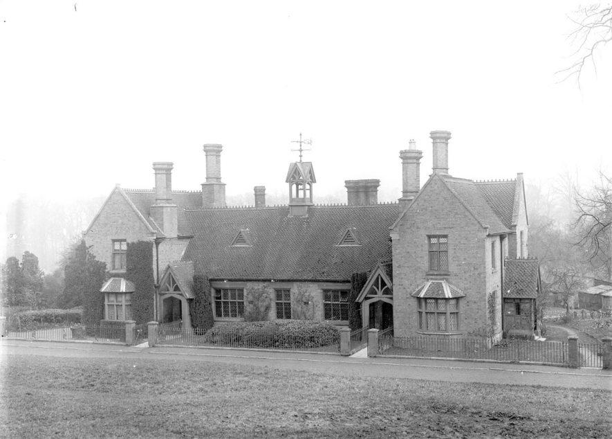 The village school, Preston on Stour.  1910s |  IMAGE LOCATION: (Warwickshire County Record Office)