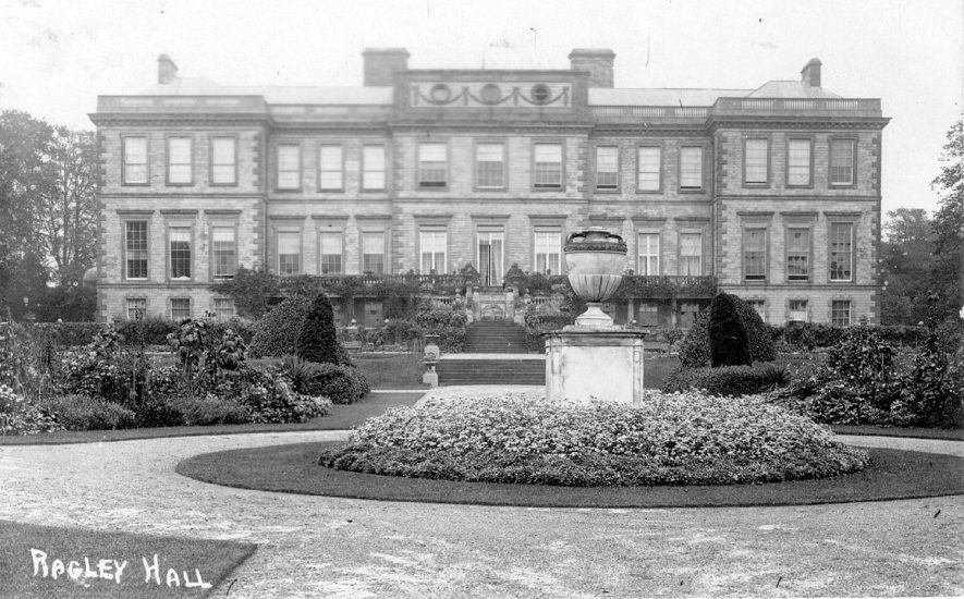 Exterior of Ragley Hall and gardens.  1910s |  IMAGE LOCATION: (Warwickshire County Record Office)