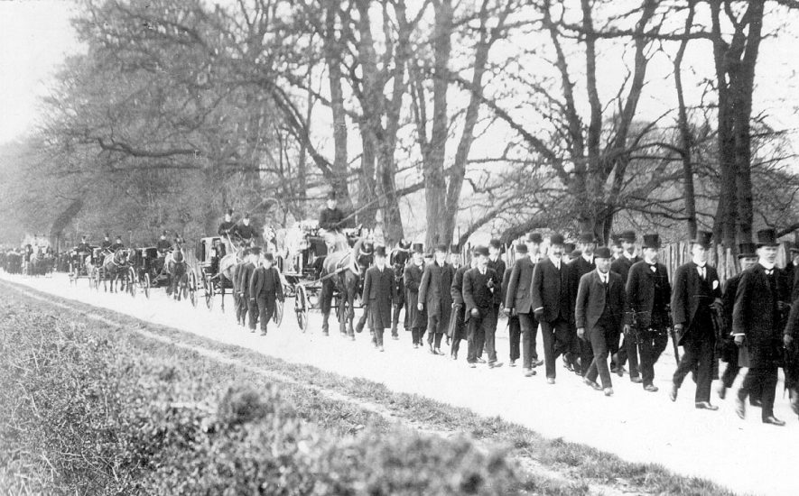 The funeral procession of the Marquis of Hertford in Ragley Park.  March 26th 1912 |  IMAGE LOCATION: (Warwickshire County Record Office)