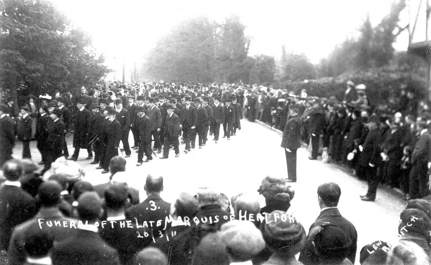 The funeral procession of the Marquis of Hertford passing through Arrow.  March 26th 1912 |  IMAGE LOCATION: (Warwickshire County Record Office)