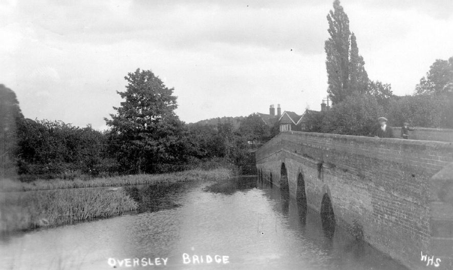 Oversley Bridge, Alcester.  1920s |  IMAGE LOCATION: (Warwickshire County Record Office)