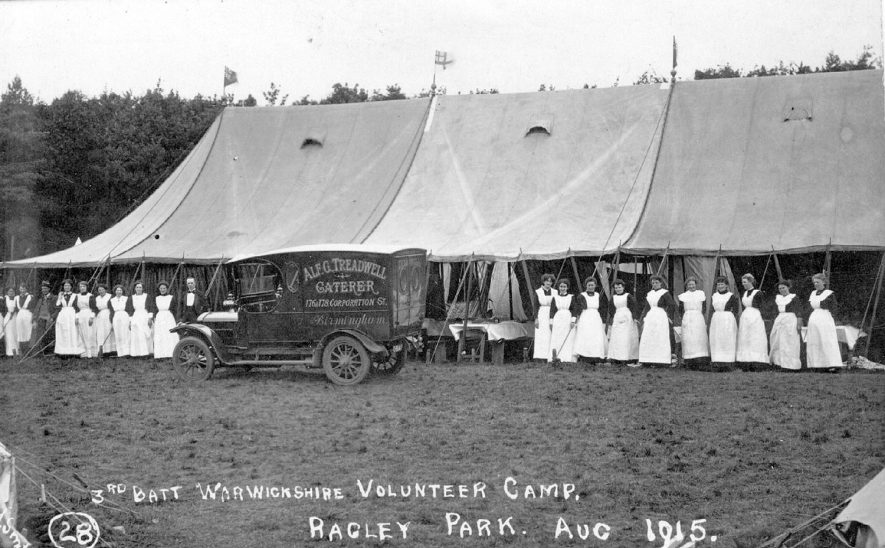 The 3rd Battalion Warwickshire volunteer camp catering staff at Ragley Park, Arrow, in August 1915. |  IMAGE LOCATION: (Warwickshire County Record Office)