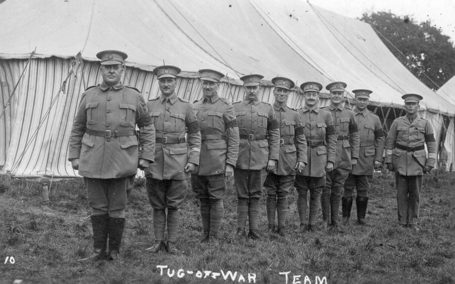 Army tug of war team in Ragley Park, Arrow.  1910s    IMAGE LOCATION: (Warwickshire County Record Office)