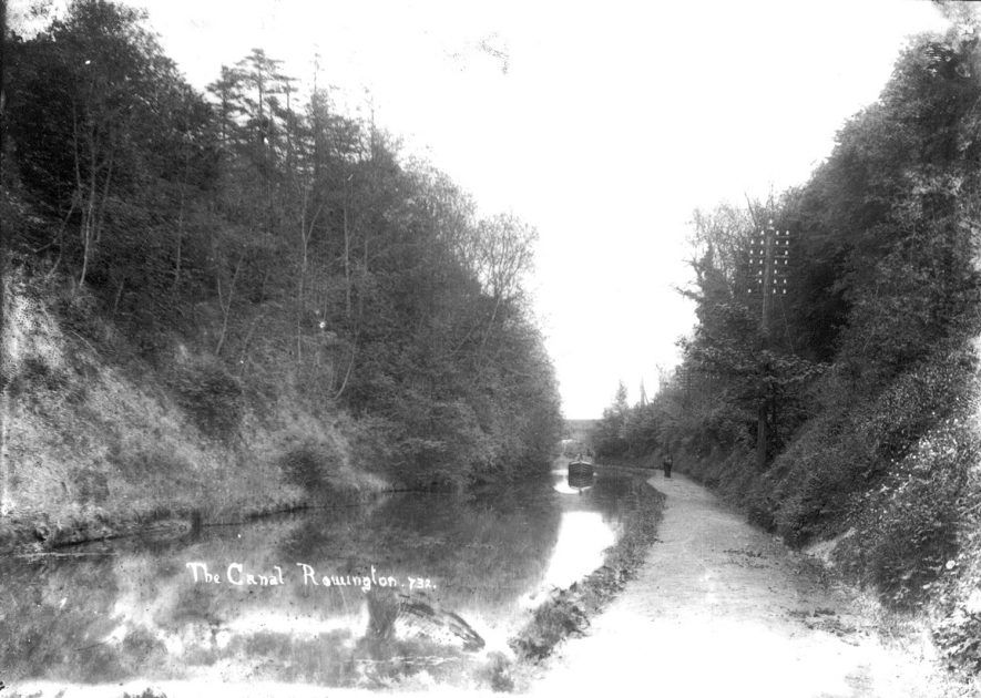 The Grand Union canal at Rowington.  1920s |  IMAGE LOCATION: (Warwickshire County Record Office)