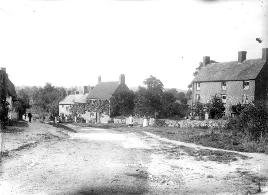 A view of Stretton on Fosse village.  1900s |  IMAGE LOCATION: (Warwickshire County Record Office)