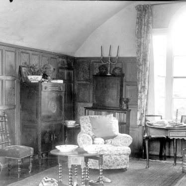 Alveston.  Alveston Manor, interior