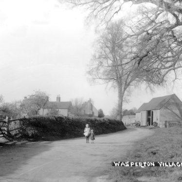 Wasperton.  Village street