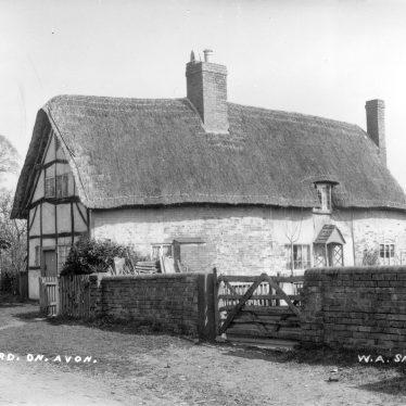 Welford on Avon.  Cottage