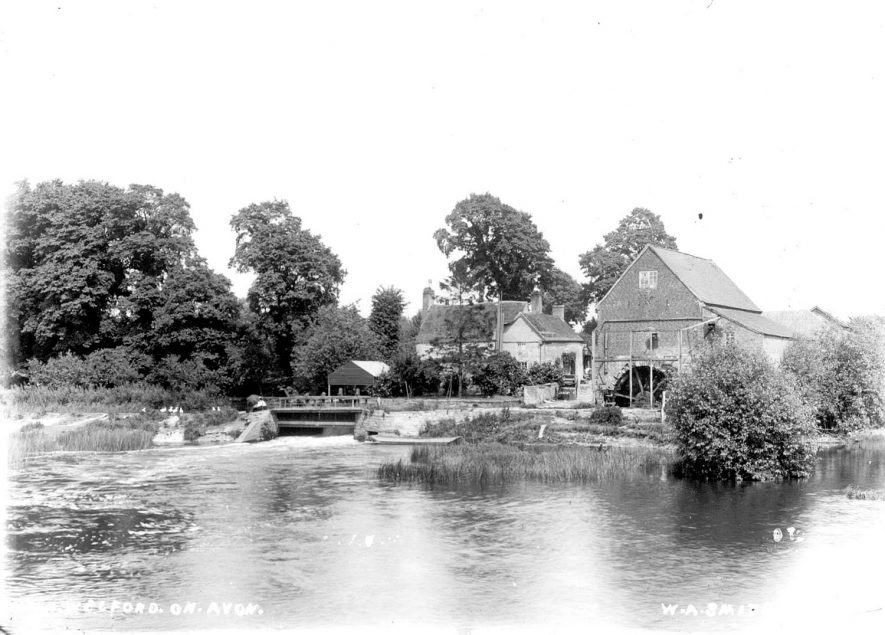 The water mill at Welford on Avon.  1900s |  IMAGE LOCATION: (Warwickshire County Record Office)
