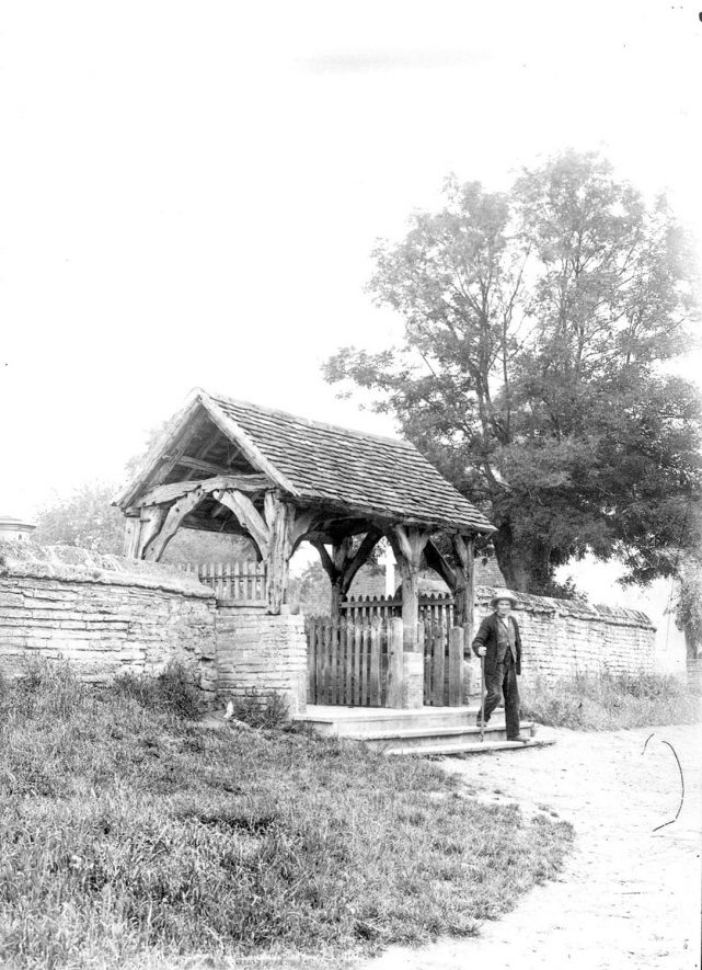 The lych gate at Welford on Avon church.  1900s |  IMAGE LOCATION: (Warwickshire County Record Office)