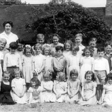 Offchurch.  School group photograph