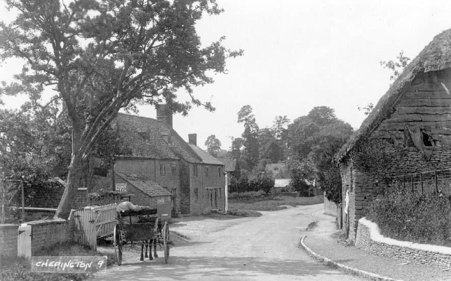 Cherington village street with cottages and pony and trap.  1920s |  IMAGE LOCATION: (Warwickshire County Record Office)