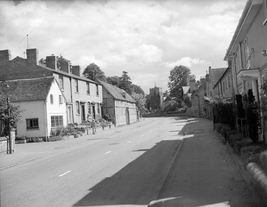 Church Street, Barford, as the best kept village.  1958 |  IMAGE LOCATION: (Warwickshire County Record Office)