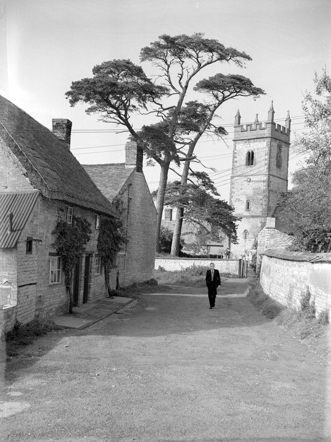 St Mary's Church, Halford.  1944 |  IMAGE LOCATION: (Warwickshire County Record Office)