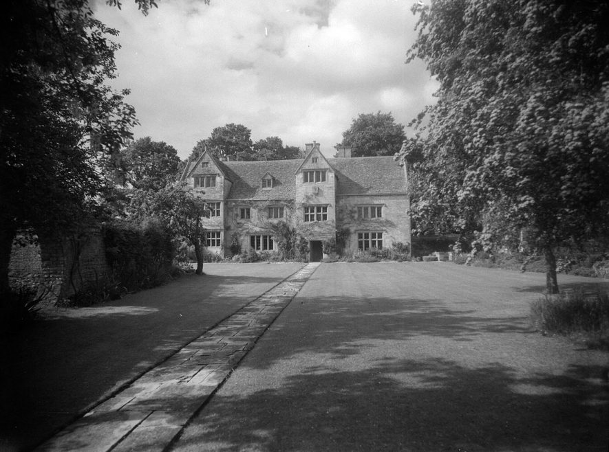 Armscote Manor.  1968 |  IMAGE LOCATION: (Warwickshire County Record Office)