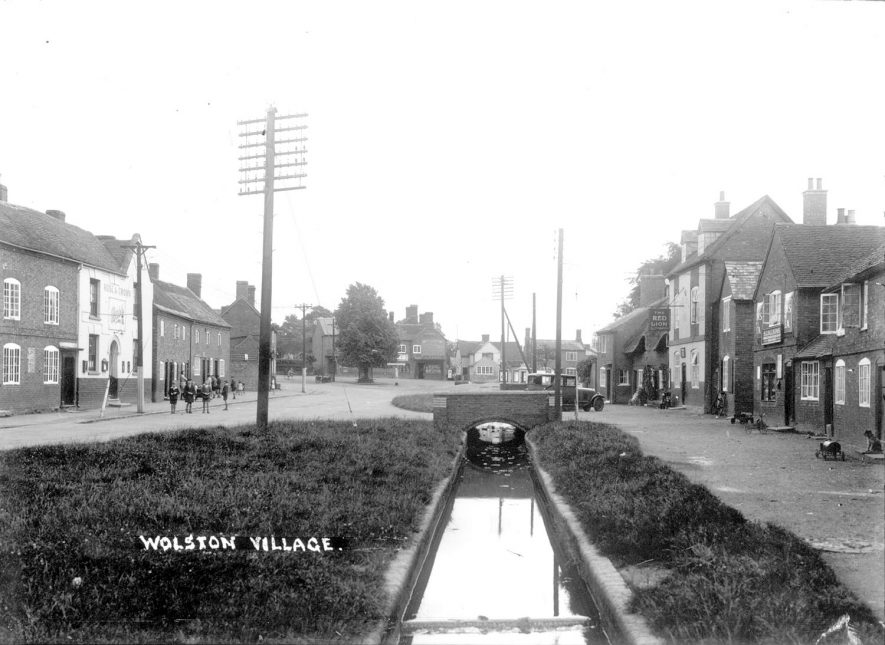 Wolston village street.  1930s |  IMAGE LOCATION: (Warwickshire County Record Office)