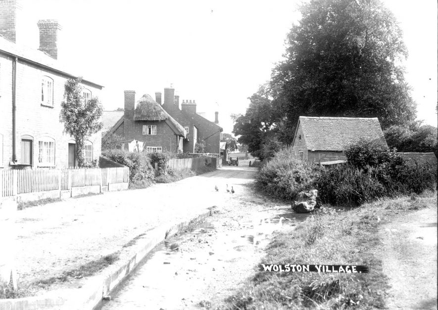 Cottages in Brook Street, Wolston. 1930s |  IMAGE LOCATION: (Warwickshire County Record Office)