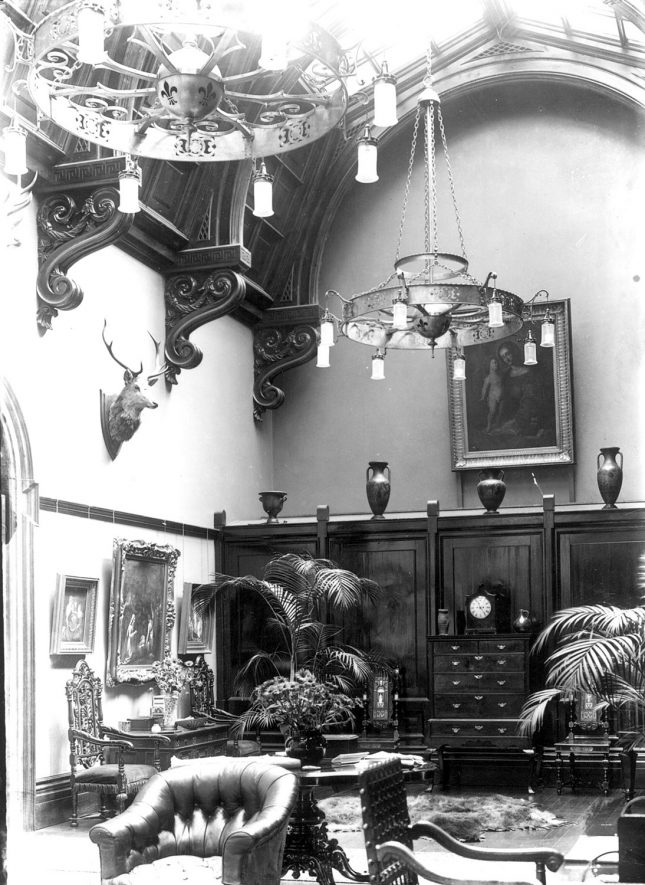 Barrells Hall interior, Wootton Wawen.  1930s |  IMAGE LOCATION: (Warwickshire County Record Office)