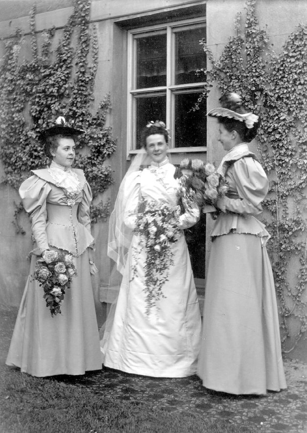 Mrs J J McKinnell (nee Grace Eldridge) with her bridesmaids after her wedding in Rugby. Her husband Mr J.J. McKinnell was the first mayor of Rugby from 1932-1934. |  IMAGE LOCATION: (Rugby Library) PEOPLE IN PHOTO: McKinnell as a surname, McKinnell, Mrs