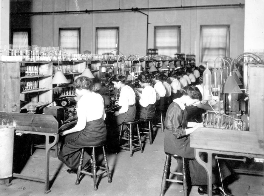Girls working on incandescent lamp filament mounting, Rugby.  1910s |  IMAGE LOCATION: (Rugby Library)