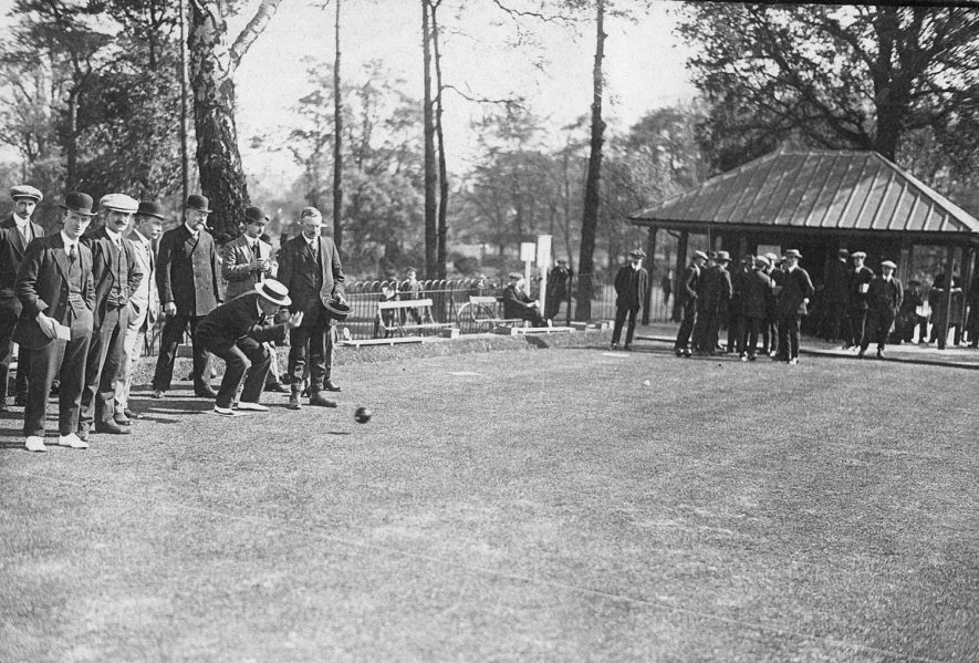 Caldecott Park, Rugby, bowling for Victory Cup.  1919    IMAGE LOCATION: (Rugby Library)