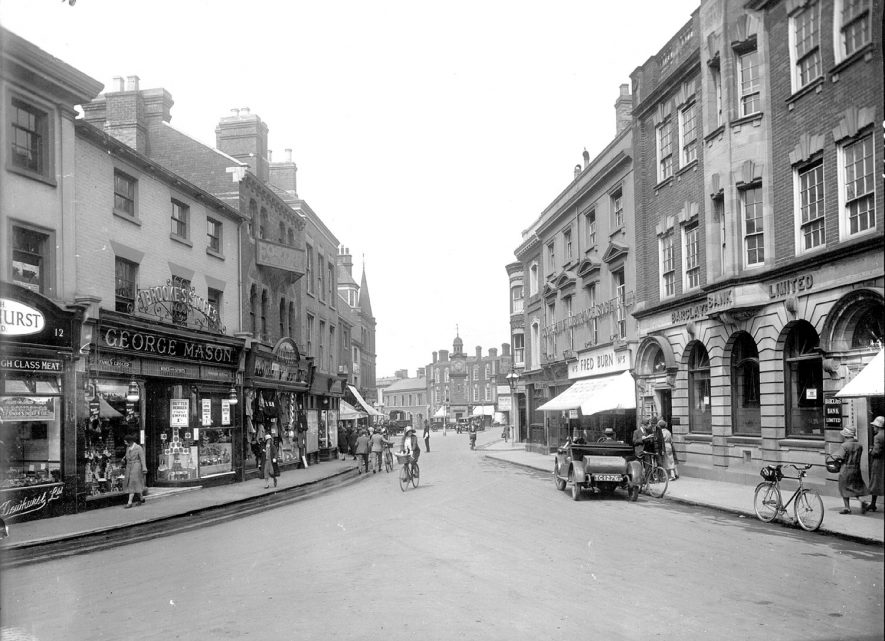 Rugby Market Place.  1930s |  IMAGE LOCATION: (Rugby Library)