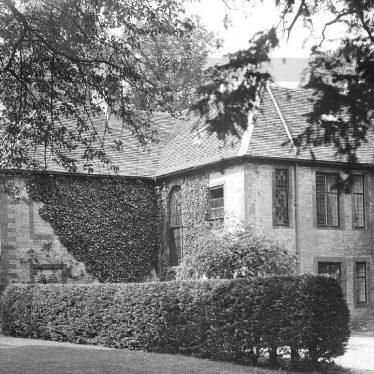 Butlers Marston.  Manor