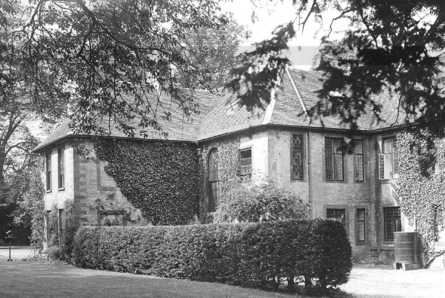 Manor house at Butlers Marston.  1910s |  IMAGE LOCATION: (Warwickshire County Record Office)