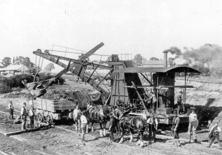 The building of the Great Central railway goods yard at Rugby.  1890s    IMAGE LOCATION: (Rugby Library)
