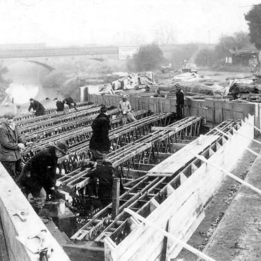 Hillmorton.  Construction of bridge over Oxford Canal