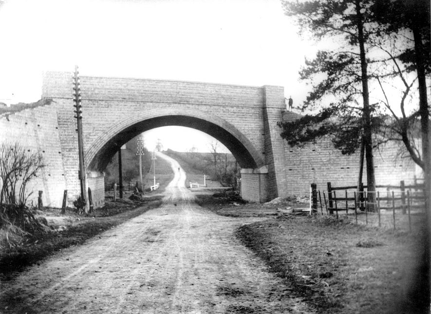 Great Central railway bridge over the Watling Street, near to Rugby, nearing completion.  1920s |  IMAGE LOCATION: (Rugby Library)
