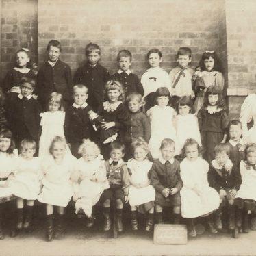 Long Lawford.  School Infants Class
