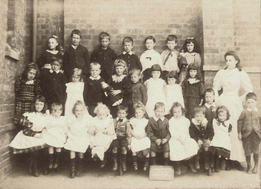Long Lawford school infants class in the 1890s. |  IMAGE LOCATION: (Rugby Library)