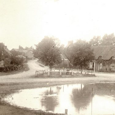 Clifton upon Dunsmore.  Village and pond