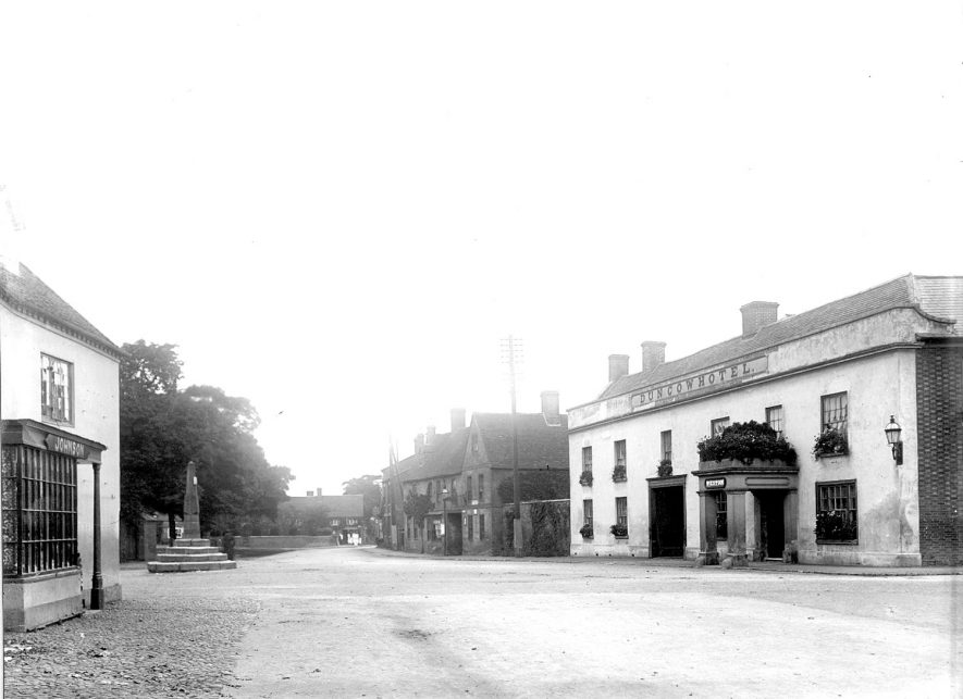 The Square at Dunchurch, with the Dun Cow Hotel on the right.  1899 |  IMAGE LOCATION: (Rugby Library)