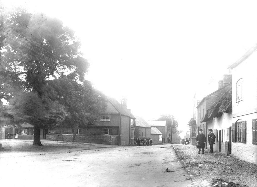 The Daventry Road taken from the Square in 1899. |  IMAGE LOCATION: (Rugby Library)