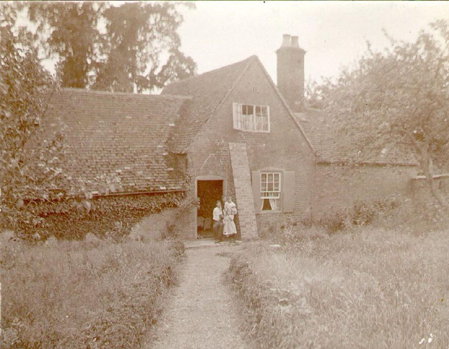 A short distance from Kings Newnham, on the road to Little Lawford, is a small cottage containing an old bath. This was long known as