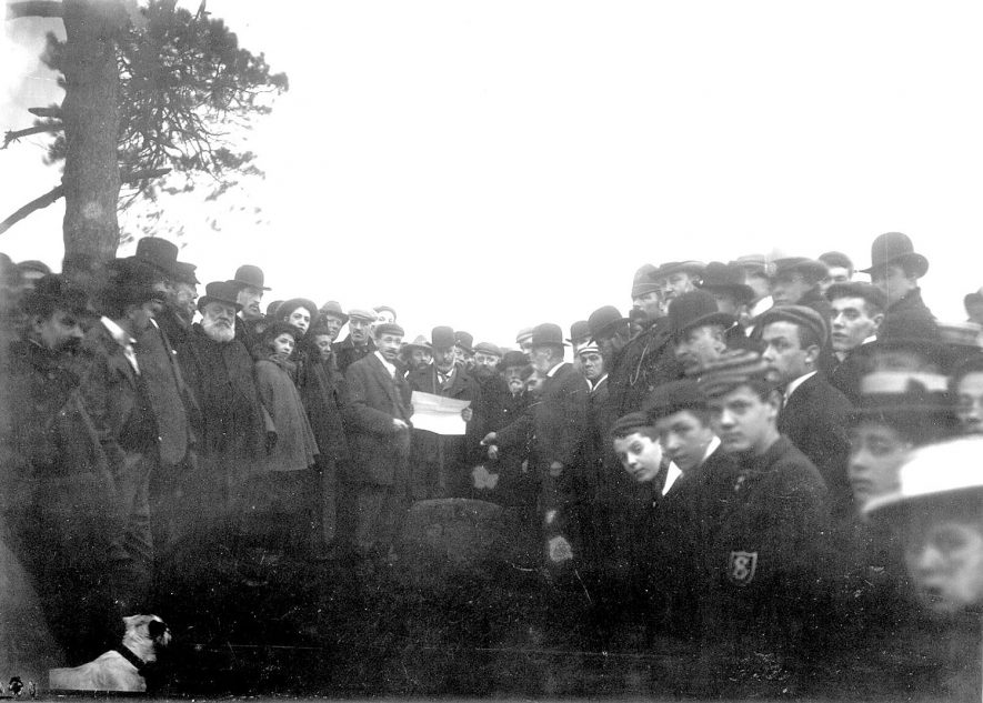 Gathering of men on Knightlow Hill (no longer so named), Ryton on Dunsmore, for the wroth silver ceremony. A tradition of payment, for the use of fields or roadways, that may date back to Saxon times. St Martins'day. 1899 |  IMAGE LOCATION: (Rugby Library)