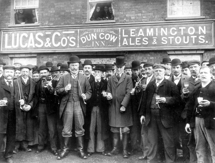 Group of men outside The Dun Cow Inn, Stretton on Dunsmore, at the wroth silver ceremony.  1899    IMAGE LOCATION: (Rugby Library)