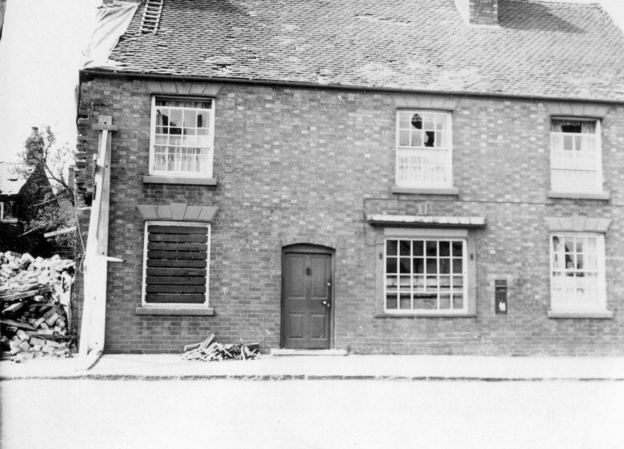 Bomb damaged cottage, Ryton on Dunsmore.  1940 |  IMAGE LOCATION: (Rugby Library)