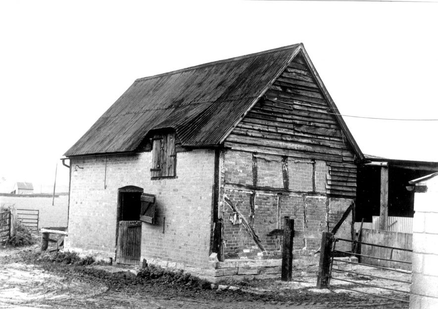 Part timbered stable at Famington Farm, Bidford on Avon.  October 22nd 1981 |  IMAGE LOCATION: (Warwickshire Museums. Photographic Collections.)