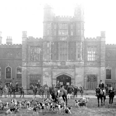 Coughton.  Coughton Court, hunt meet