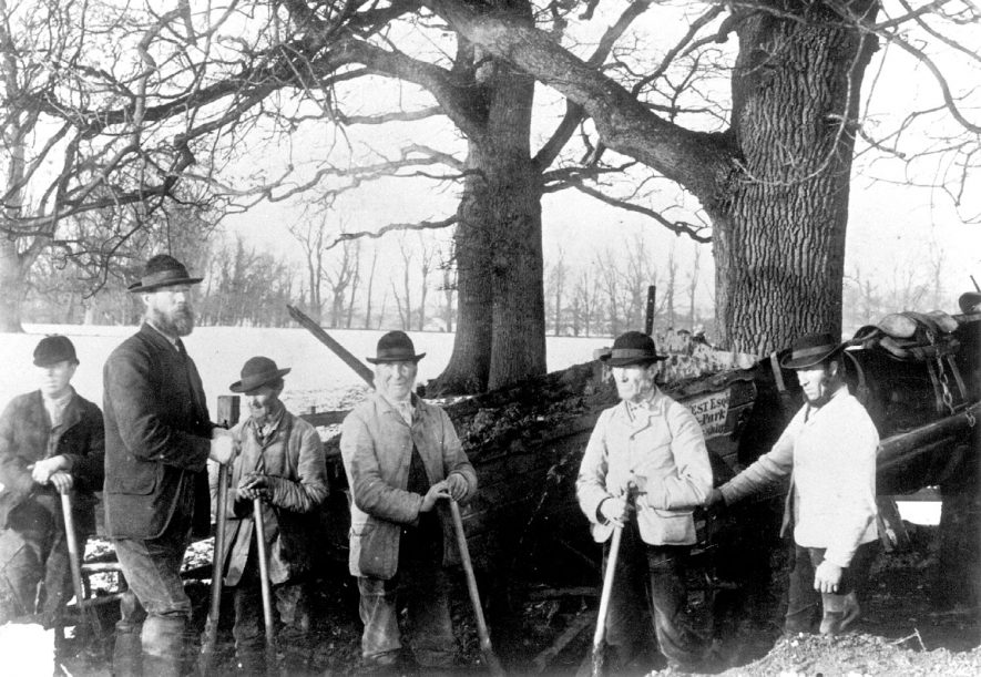 Men clearing ditches at Alscot Park, Preston on Stour.  1882 |  IMAGE LOCATION: (Warwickshire Museums. Photographic Collections.)