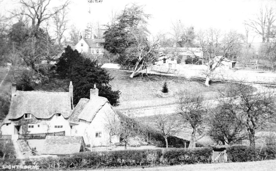 White Gate cottages and Walnut Tree Close (no longer exists), Lighthorne.  1900s |  IMAGE LOCATION: (Warwickshire Museums. Photographic Collections.)