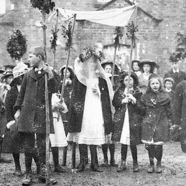 Kineton.  Children's parade, possibly May Day