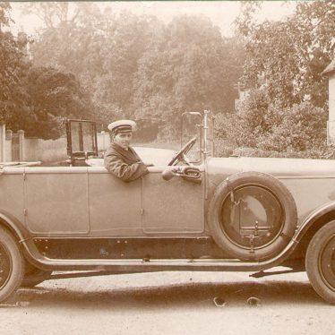 Alveston.  Armstrong Siddely car